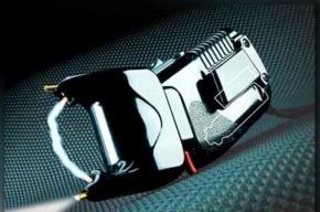 Пассажир с электрошокером ограбил водителя во Фрунзенском районе