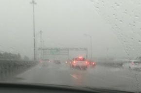 Очевидцы предупреждают о сильном ливне на КАД