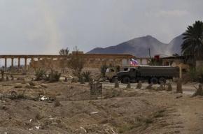 Российский военный ценой жизни остановил машину со смертником в Сирии
