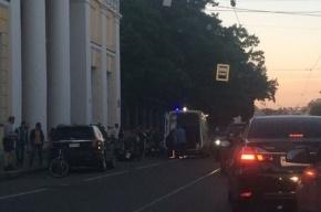 Байкер влетел в такси на Садовой улице