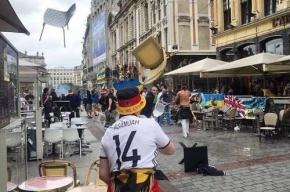 Фанаты из Германии напали на украинцев и отобрали флаги
