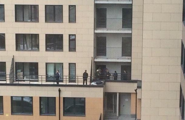 Человек насмерть упал с новостройки на проспекте Обуховской обороны