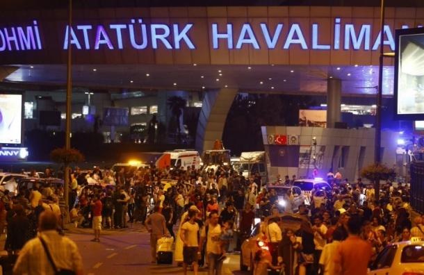 Стало известно имя пострадавшего в аэропорту Стамбула россиянина