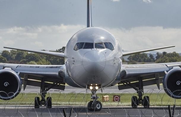 Самолет во Владивосток вылетел с опозданием из-за пассажирки, решившей развестись