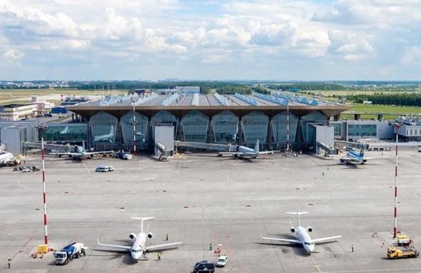 Туристы более суток не могут вылететь из Бургаса в Петербург