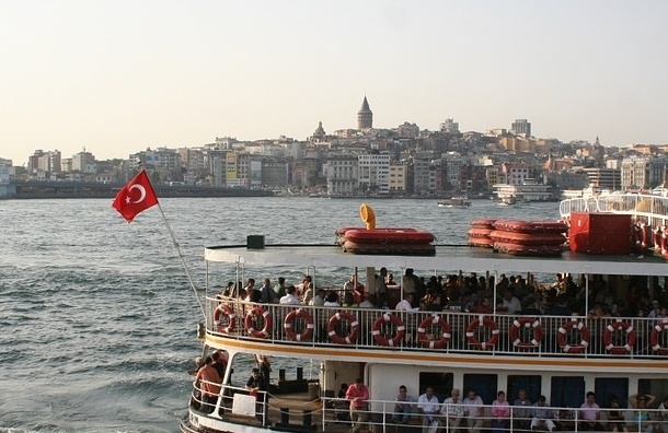 Власти Турции выдали ордера на арест 42 журналистов
