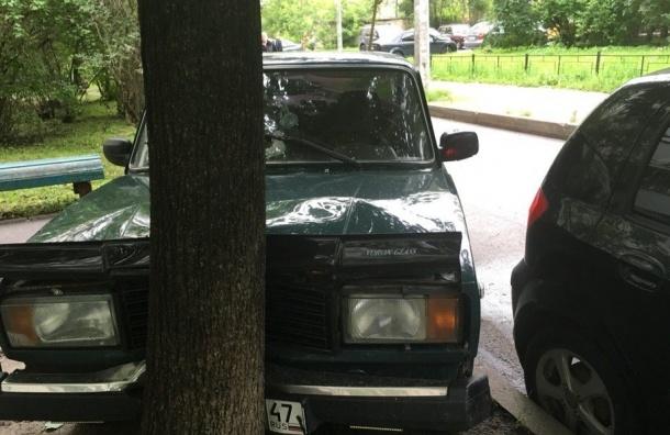 Hyundai Getz чудом «выжил» в ДТП на Партизана Германа