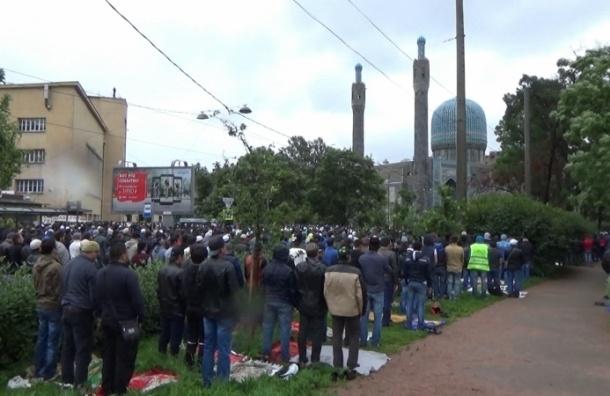 ГУВД: Ураза-байрам в Петербурге отпраздновало 34 тысячи человек