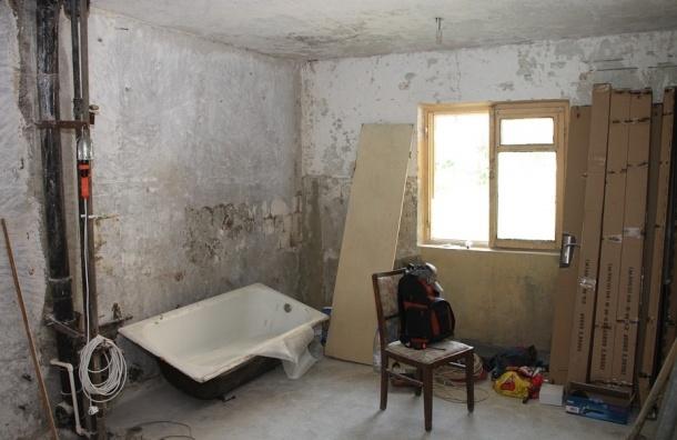 Мужчину в Петербурге избили за плохо сделанный ремонт в квартире