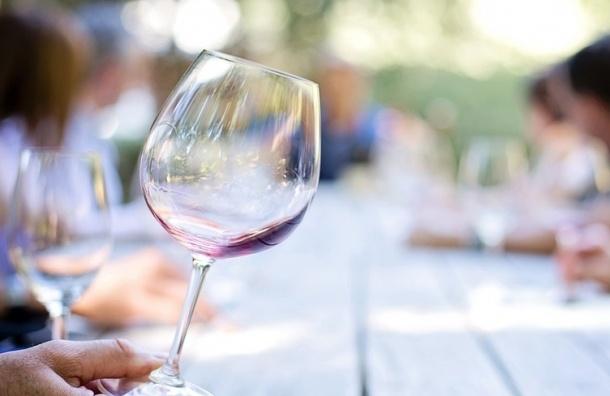 Крымская «Массандра» отправила вино в Китай