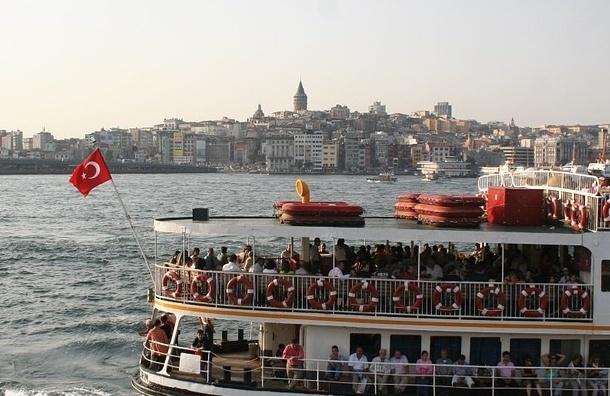 Две тысячи бойцов спецназа ввели в Стамбул