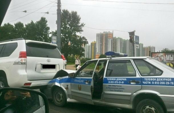 Полицейская машина попала в ДТП на Бухарестской