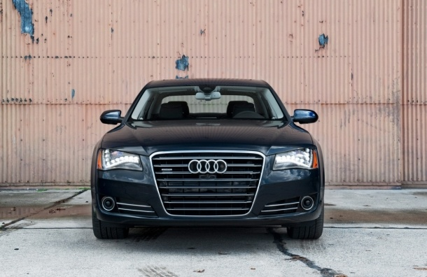 «Охрана» Росгвардии будет разъезжать на двух Audi за 15,3 млн рублей
