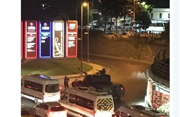 Военные заявили о создании «мирного совета» в Турции