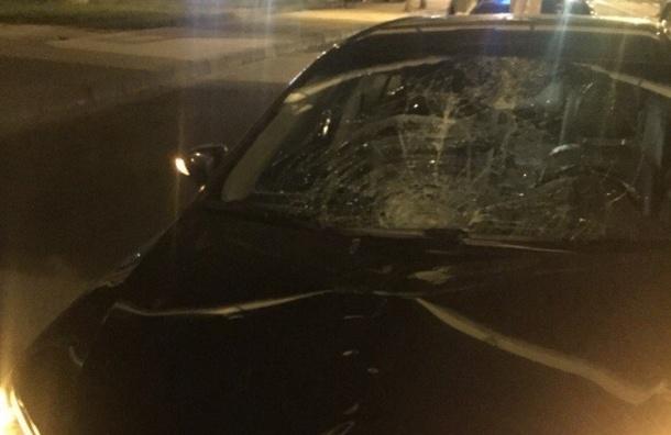 Пешеход попал под машину на Ленинском проспекте