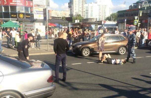 Иномарка сбила велосипедиста у станции «Приморская»