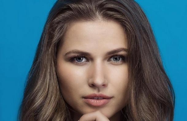 Юлия Топольницкая из клипа про «лабутены» вышла замуж