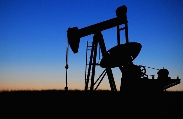 Нефть упала ниже отметки в $44, евро резко вырос на бирже