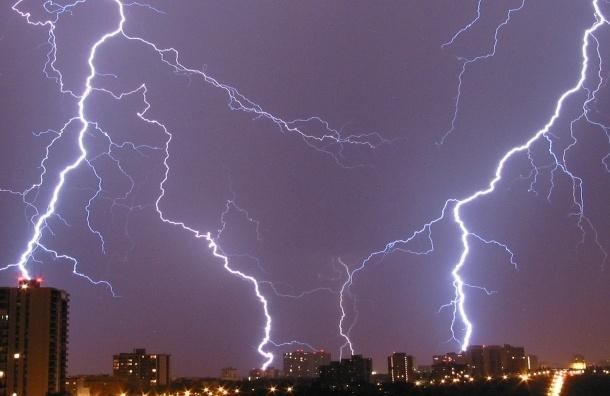 Дожди с грозами обрушатся на Петербург в ближайшее часы