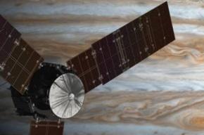 «Юнона» сделала первый снимок Юпитера