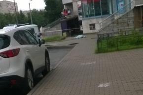 Человек выпал из окна на Гражданском проспекте