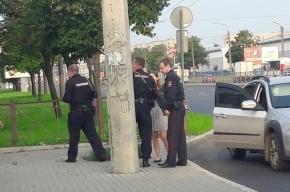 Очевидцы: на Типанова неизвестные избили мужчину
