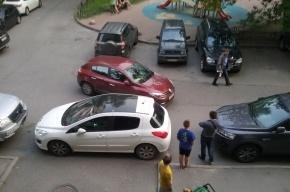 Пьяный водитель уходил от погони по дворам на улице Королева