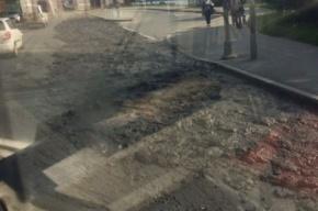 Автомобилисты застряли в вонючей пробке на Октябрьской набережной