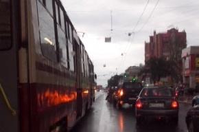 Пешеход попал под машину на проспекте Энгельса.