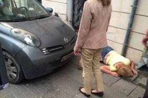 Иномарка сбила пешеходов на Большой Морской улице