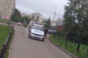 Машину ДПС эвакуируют в Купчино с тротуара