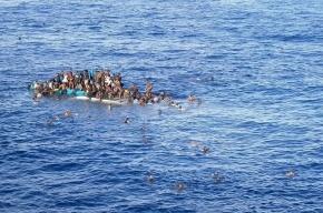 Тела десятков беженцев прибило к берегам Ливии