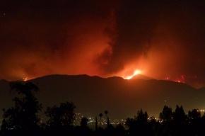 Пожар под Лос-Анджелесом продолжается