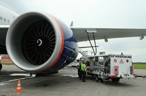 Boeing с отказавшим двигателем экстренно сел во Внуково