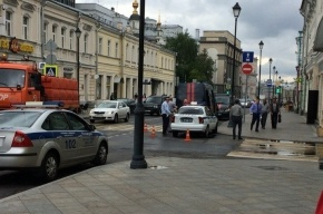 Машина СК сбила девушку на пешеходном переходе