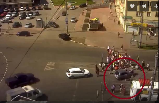 Появились детали новокузнецкой трагедии, где авто влетело втолпу людей