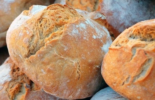 Женщина скончалась в очереди за хлебом в Финляндии