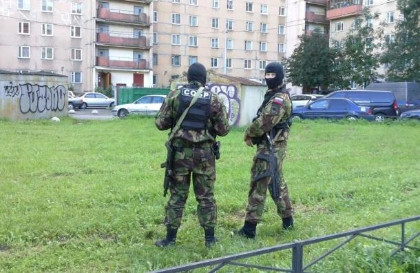 СМИ показали кадры с места спецоперации по задержанию боевиков