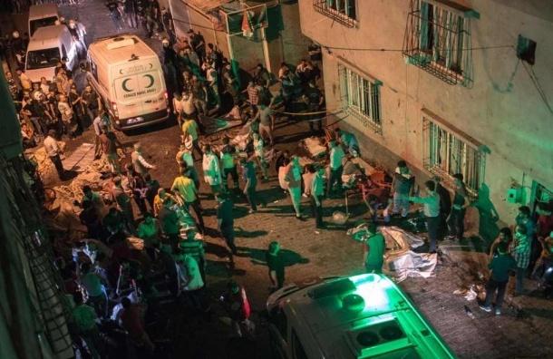 Подросток-смертник убил полсотни человек в Турции