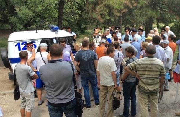 Митинг «Обманутый Крым» разогнала полиция в Симферополе
