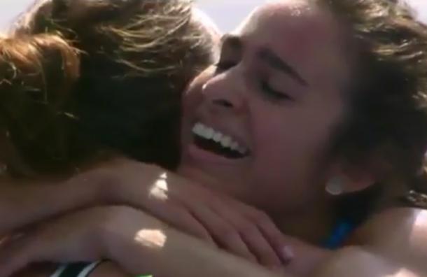 Американка помогла подняться упавшей сопернице во время олимпийского забега