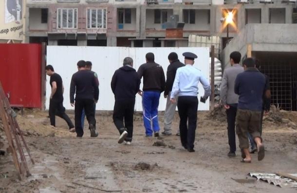 Полиция нагрянула с миграционной проверкой на стройку в Кудрово