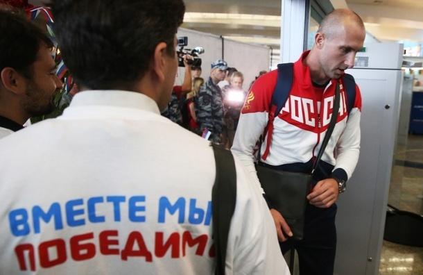 Знаменосцем сборной России на открытии ОИ-2016 стал волейболист Сергей Тетюхин