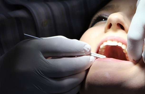 Ученые научились определять причину смерти по зубам