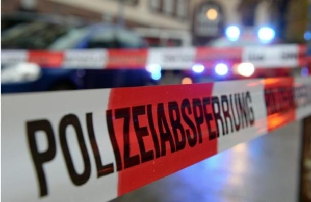 Вооруженный мужчина забаррикадировался в кафе в Германии