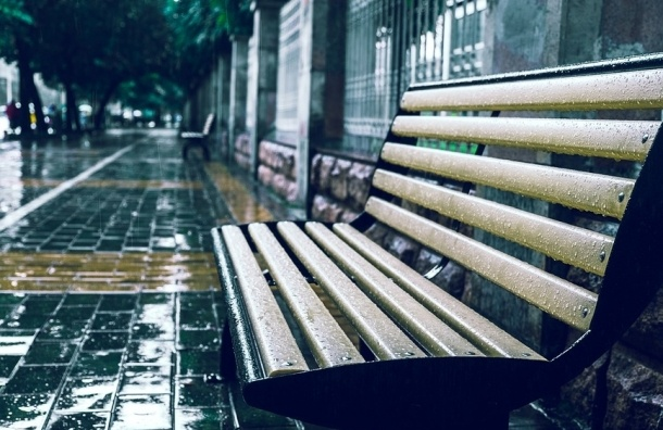 Погода оставит петербуржцев без бабьего лета