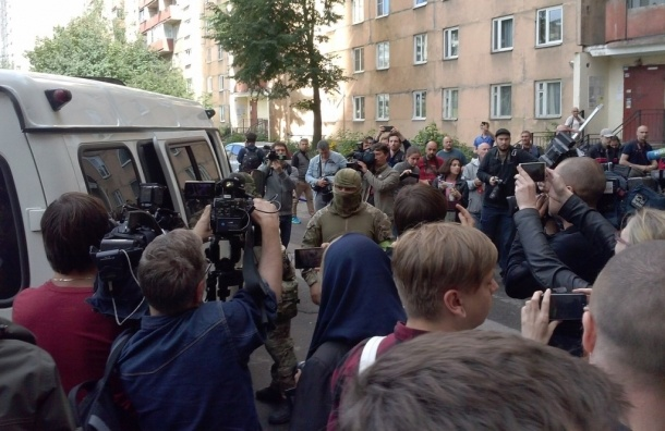 СК установил личности всех четырех боевиков с многоэтажки на Ленинском