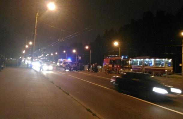Пассажир такси погиб в тройном столкновении на Тихорецком проспекте