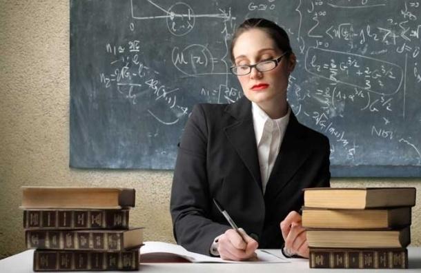 СМИ: Секс-чаты заменяли учительнице из Кирова вторую работу