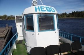 «Резиновое» судно с паломниками перехватила ФСБ на Ладоге